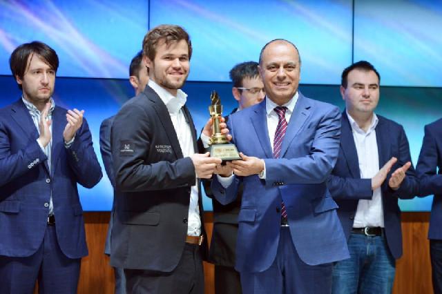 """""""Shamkir Chess 2019"""": Çempion mükafatına qovuşdu"""