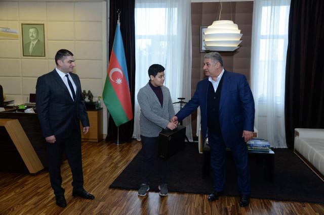 Azad Rəhimov qalib şahmatçı ilə görüşdü