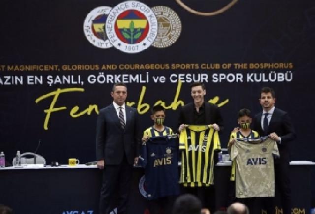 """Məsut Özilin """"Fənərbaxça"""" forması rekord məbləğə satılıb"""