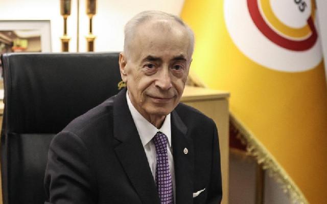 """""""Qalatasaray""""ın prezidenti İdarə Heyətindən ayrıldı"""