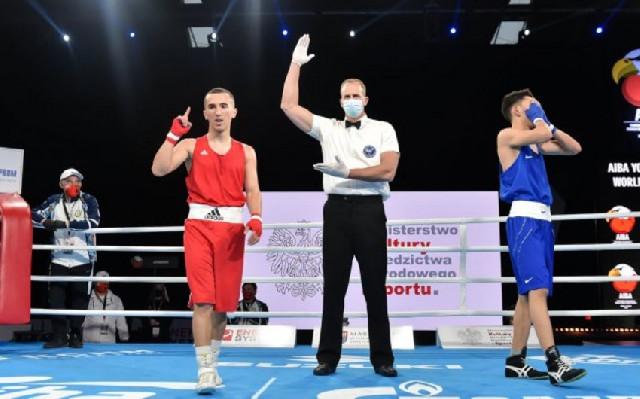 Azərbaycanın daha 2 boksçusu dünya birinciliyində 1/4 finala vəsiqə qazandı
