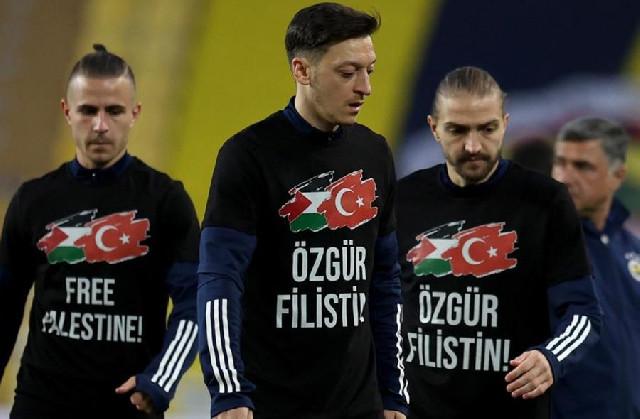 Özildən Fələstinə dəstək - Şəkil