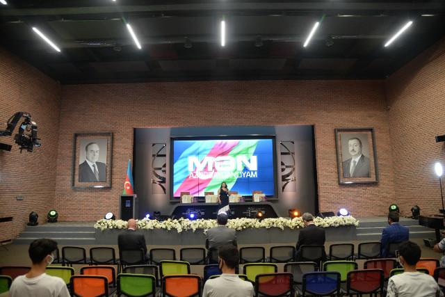 """""""Mən Azərbaycanlıyam"""" milli bilik yarışmasının 10-cu yubiley mövsümünün qalibləri mükafatlandırılıb"""